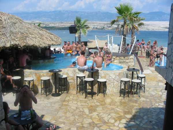 Partyurlaub auf der Partyinsel Pag in Kroatien