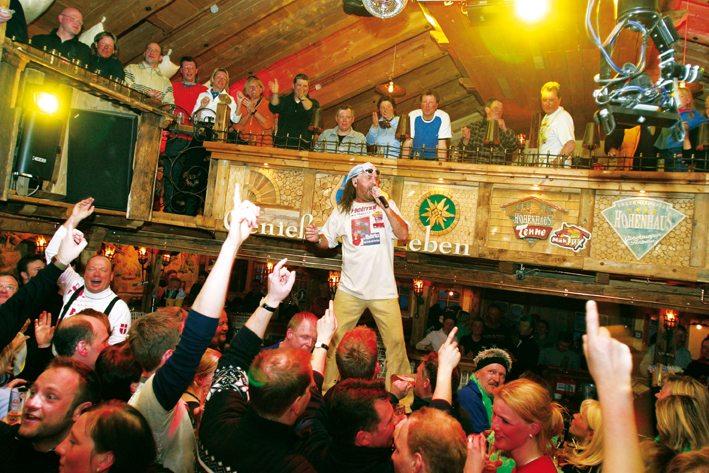 Partyurlaub in Hintertux im Zillertal in Tirol. Skiurlaub mit Party-Spass in Österreich