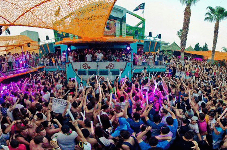Party am Sonnenstrand in Bulgarien