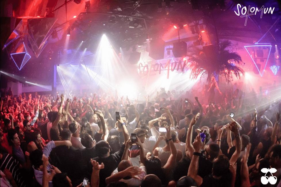 Party im Club Pacha Ibiza