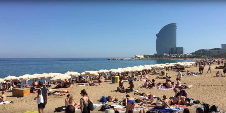 Die traumhafte Strandpromenade Barcelonas